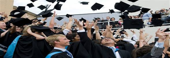 http://i.telegraph.co.uk/multimedia/archive/02607/graduationwarwick__2607618b.jpg